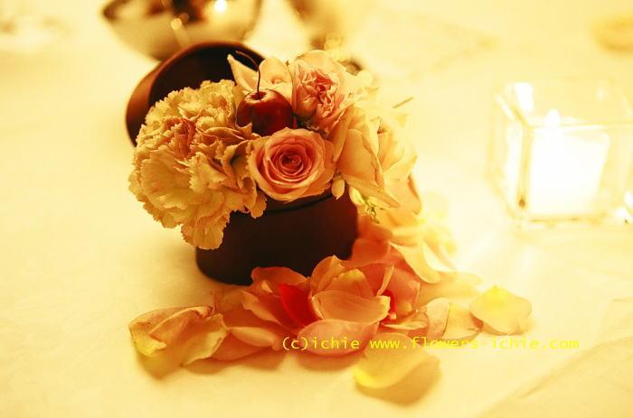 マダムトキ様の装花 キャンドルと宝石箱2_a0042928_1222825.jpg