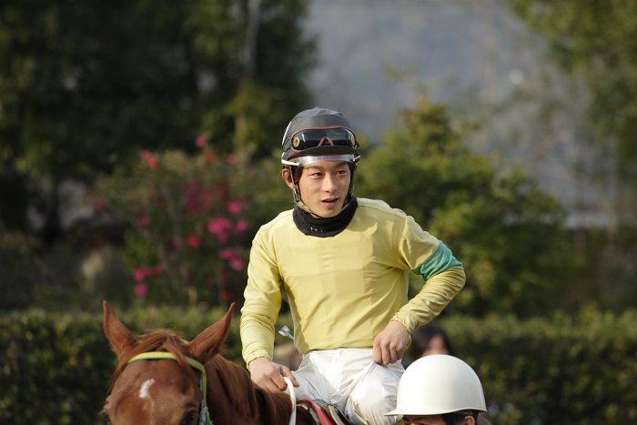 2006年12月24日(日) 高知競馬 9R 土佐三原どぶろく特別_a0077663_16425514.jpg