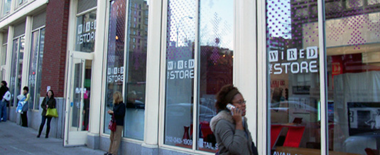 SOHOに登場した最新オタク天国 - The Wired Store_b0007805_3363070.jpg
