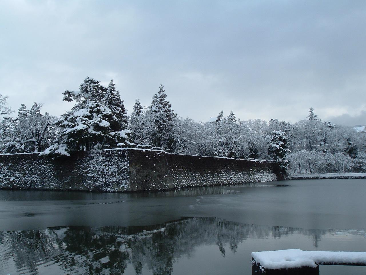 湿り雪_f0032130_1733551.jpg