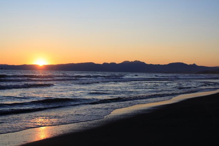 Quiet beach scene_e0061613_011020.jpg
