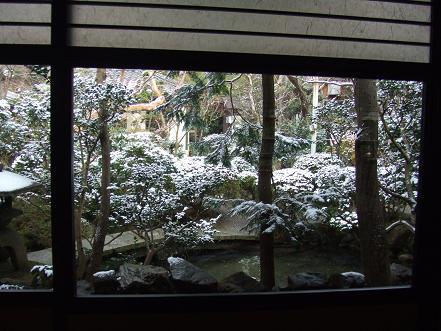 雪・・・そして門松_c0078659_22552041.jpg