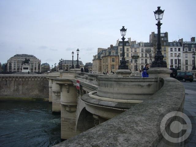 ■新年のご挨拶2007(PARIS)_a0008105_2363082.jpg