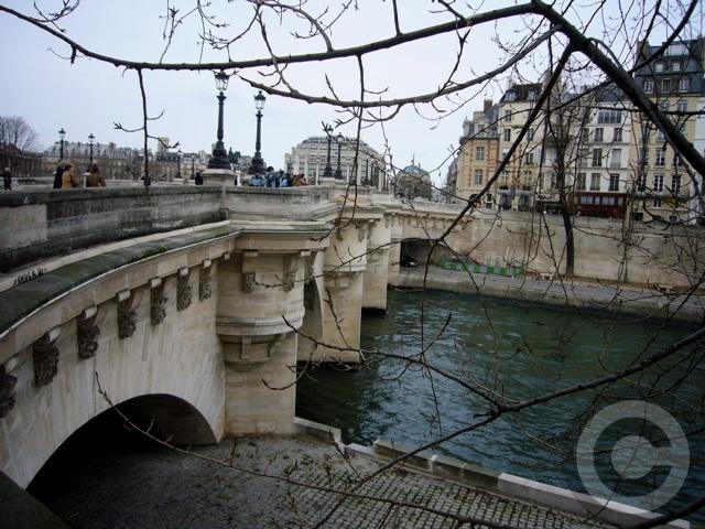 ■新年のご挨拶2007(PARIS)_a0008105_2365660.jpg