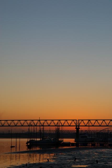 河口の朝・1_f0018464_1395014.jpg