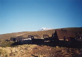 キリマンジャロ登頂記 (5) ホロンボ・ハット(3720m)到着_c0011649_23384338.jpg