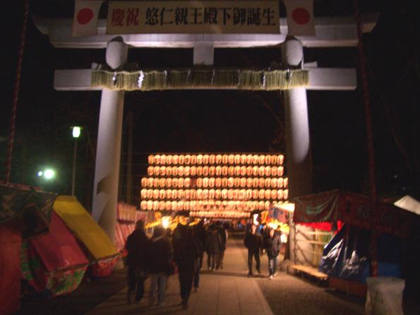夜の神社_d0060251_0384226.jpg