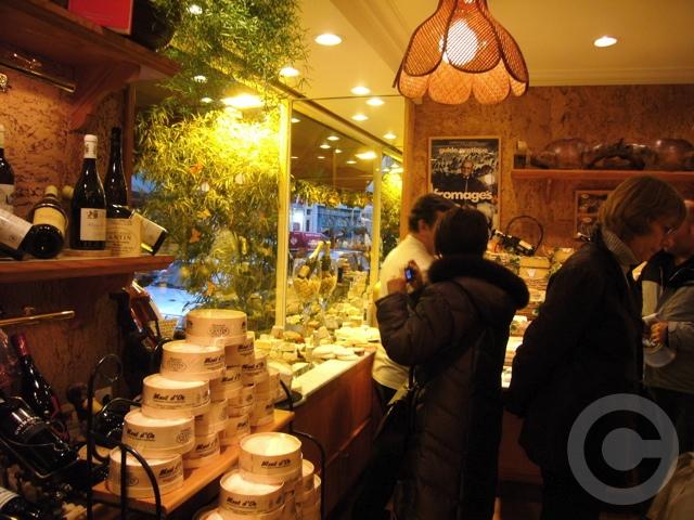 【MARIE-ANNE CANTIN】街角のチーズ屋(パリ7区)_a0014299_757167.jpg