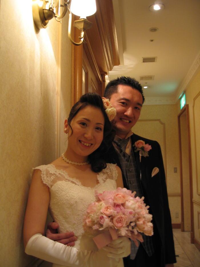 シェ松尾天王洲倶楽部さま 白とピンクのふわふわの装花_a0042928_23365217.jpg