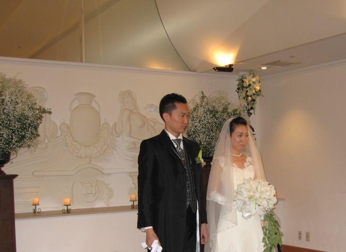 シェ松尾天王洲倶楽部さま 白とピンクのふわふわの装花_a0042928_23573885.jpg