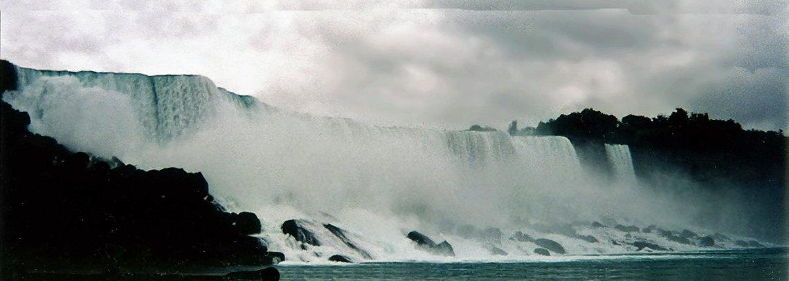 カナダ ナイアガラの滝_e0108650_1621612.jpg