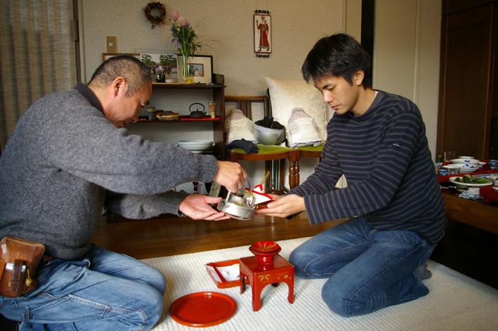 07年の元旦も北鎌倉の自宅にファミリーが全員集結_c0014967_17272623.jpg