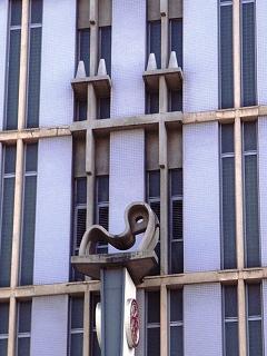 バーゲンは建築学会賞!_c0019551_2328533.jpg
