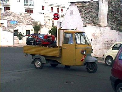 イタリアの職人と働く車たち_b0015157_23543585.jpg