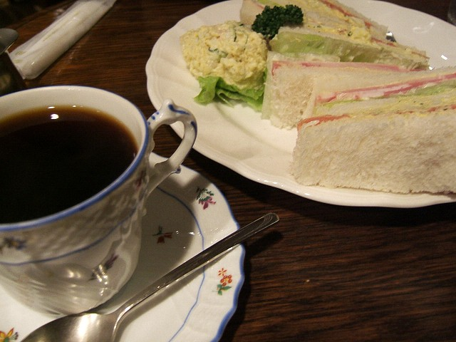 上野行脚_e0089232_0341361.jpg