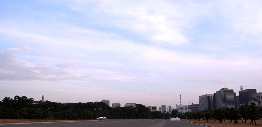 皇居の空は広い_a0033881_12311698.jpg