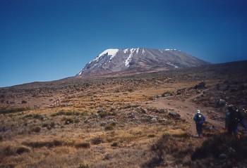 キリマンジャロ登頂記 (7) キボ・ハット(標高4703m)へ_c0011649_9365938.jpg