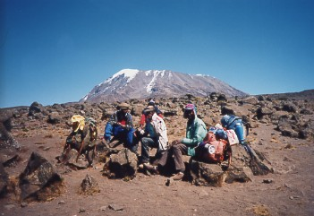 キリマンジャロ登頂記 (7) キボ・ハット(標高4703m)へ_c0011649_937273.jpg