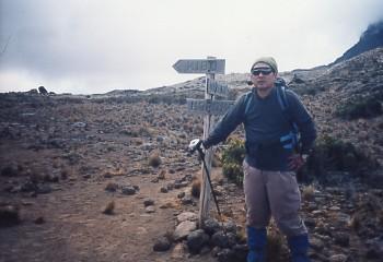 キリマンジャロ登頂記 (7) キボ・ハット(標高4703m)へ_c0011649_9385486.jpg