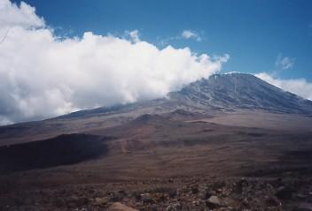 キリマンジャロ登頂記 (7) キボ・ハット(標高4703m)へ_c0011649_943183.jpg