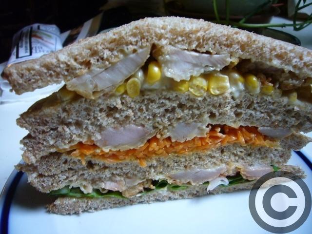 ■ウチで食すサンドイッチ(PARIS)_a0014299_2051943.jpg