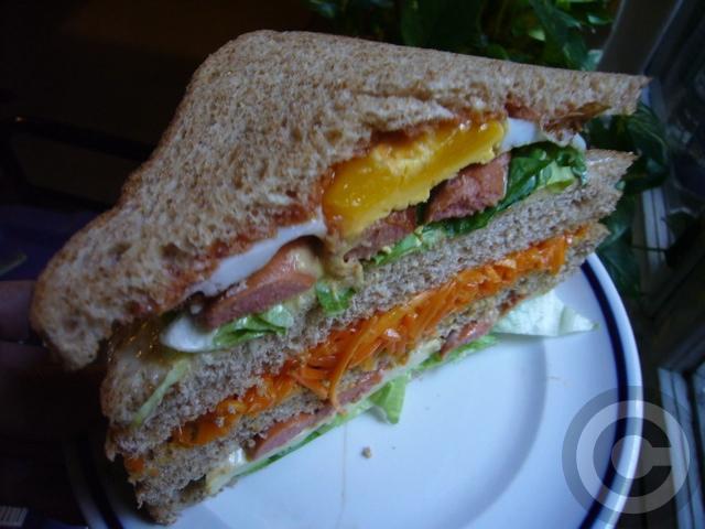 ■ウチで食すサンドイッチ(PARIS)_a0014299_2062358.jpg
