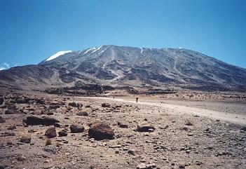 キリマンジャロ登頂記 (8) キボ・ハット(標高4703m)到着_c0011649_049138.jpg