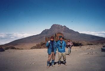 キリマンジャロ登頂記 (8) キボ・ハット(標高4703m)到着_c0011649_052778.jpg