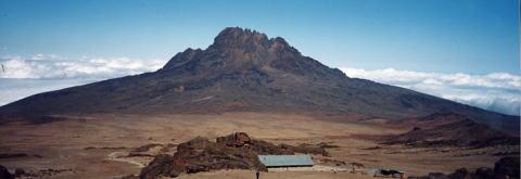 キリマンジャロ登頂記 (8) キボ・ハット(標高4703m)到着_c0011649_0575662.jpg