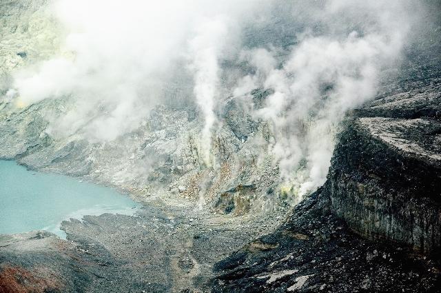 世界の湖 コスタリカ_e0108650_18211820.jpg