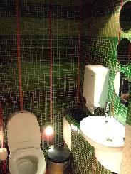 トイレはどこへ(笑)  ~ ロシアのトイレから ~_c0042797_119526.jpg