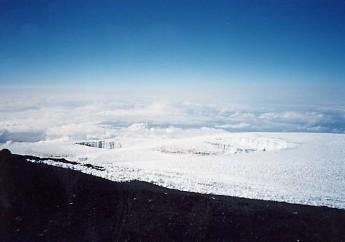 キリマンジャロ登頂記 (8) キボ・ハット(標高4703m)到着_c0011649_12102843.jpg