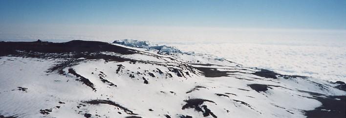キリマンジャロ登頂記 (9) ウフルピーク(標高5895m)登頂_c0011649_5305925.jpg