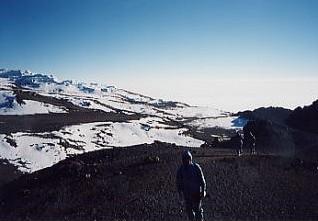 キリマンジャロ登頂記 (9) ウフルピーク(標高5895m)登頂_c0011649_5594918.jpg