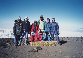キリマンジャロ登頂記 (9) ウフルピーク(標高5895m)登頂_c0011649_614727.jpg