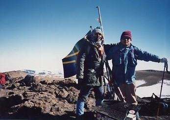 キリマンジャロ登頂記 (9) ウフルピーク(標高5895m)登頂_c0011649_616218.jpg