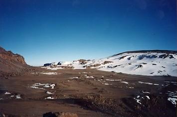 キリマンジャロ登頂記 (9) ウフルピーク(標高5895m)登頂_c0011649_6163594.jpg