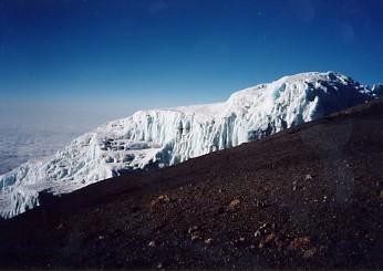 キリマンジャロ登頂記 (9) ウフルピーク(標高5895m)登頂_c0011649_6191532.jpg