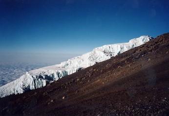 キリマンジャロ登頂記 (9) ウフルピーク(標高5895m)登頂_c0011649_621453.jpg
