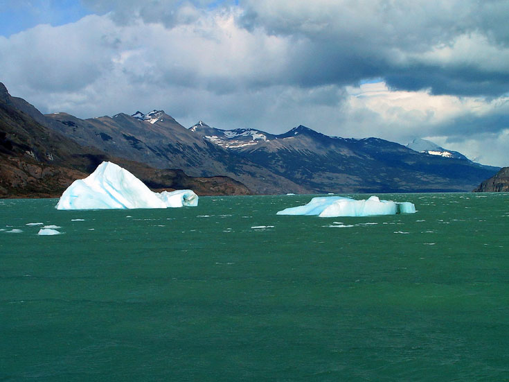 世界の湖 パタゴニア  アルゼンチン_e0108650_11575980.jpg