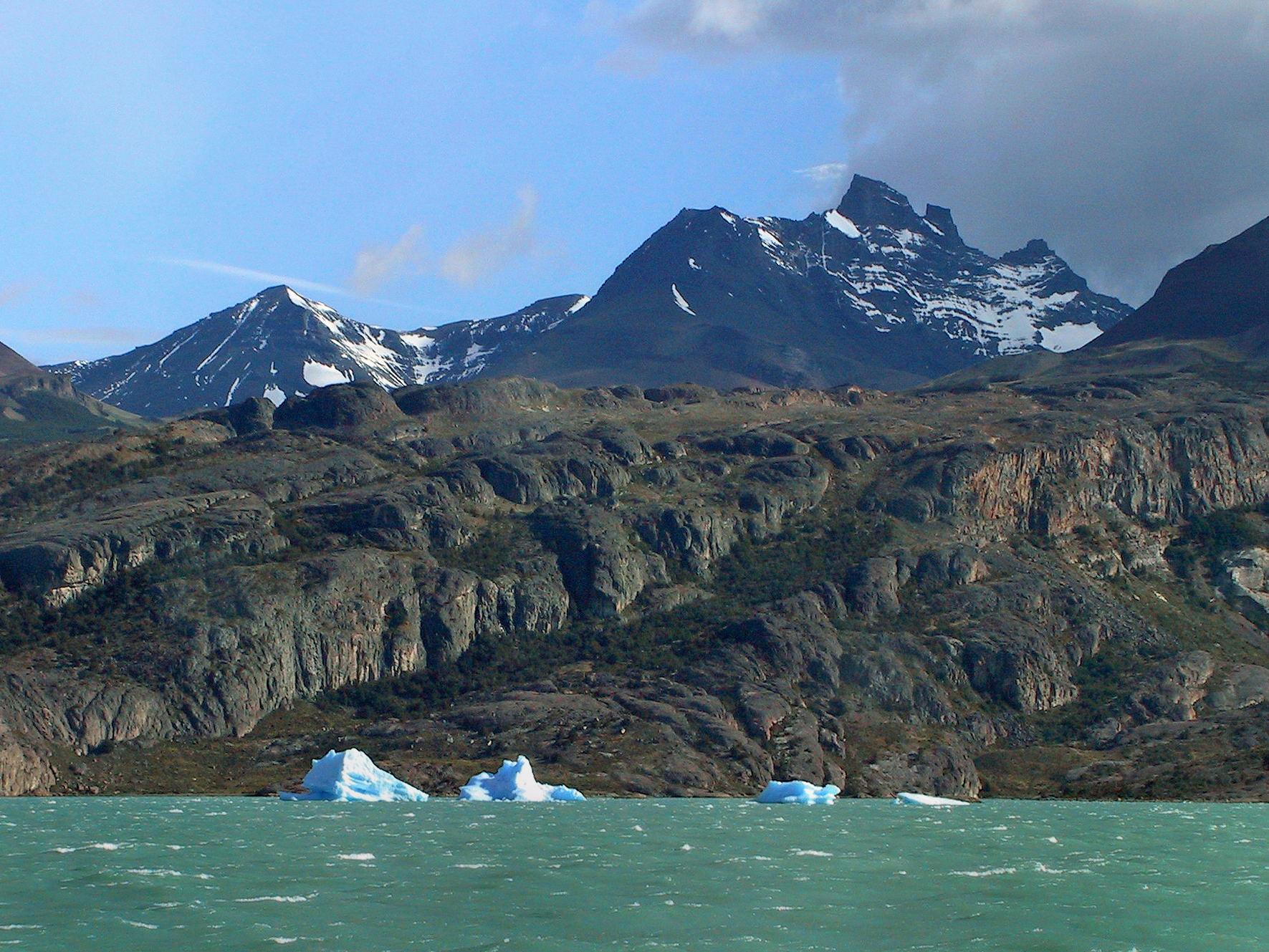 世界の湖 パタゴニア  アルゼンチン_e0108650_115878.jpg