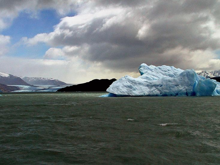 世界の湖 パタゴニア  アルゼンチン_e0108650_1202337.jpg