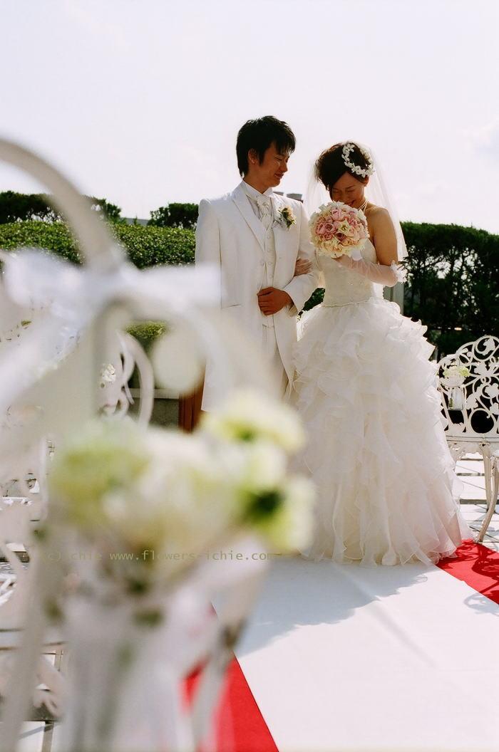 ラマージュ様の装花 花嫁様からのメール ローズボール _a0042928_0433976.jpg