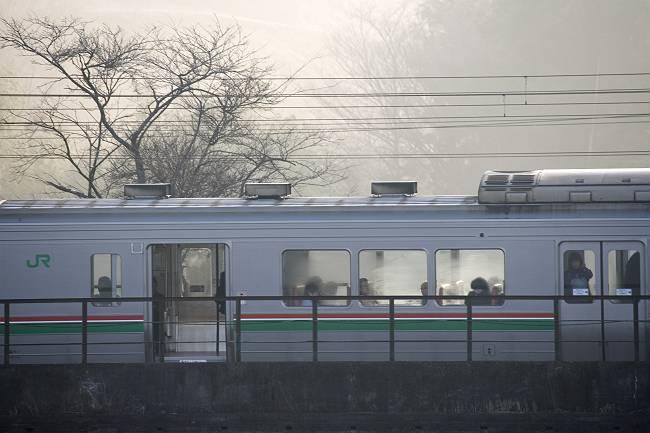 無人駅の朝_b0074098_22384165.jpg