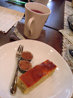 雑貨教室vol.8「紅茶染めのレースと革でブレスレットを作る。」_e0073946_20152220.jpg