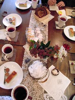 雑貨教室vol.8「紅茶染めのレースと革でブレスレットを作る。」_e0073946_2015570.jpg
