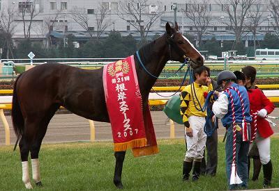 根岸Sは、ビッググラス&村田騎手が嬉しい初重賞制覇_b0015386_204616.jpg