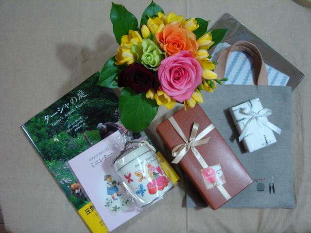 物より思い出・・・でも、プレゼントはやっぱり嬉しい_a0025572_23102947.jpg