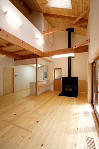 Q1前沢の家17:完成2 居間_e0054299_10541456.jpg