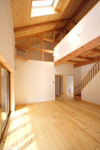 Q1前沢の家17:完成2 居間_e0054299_10542651.jpg